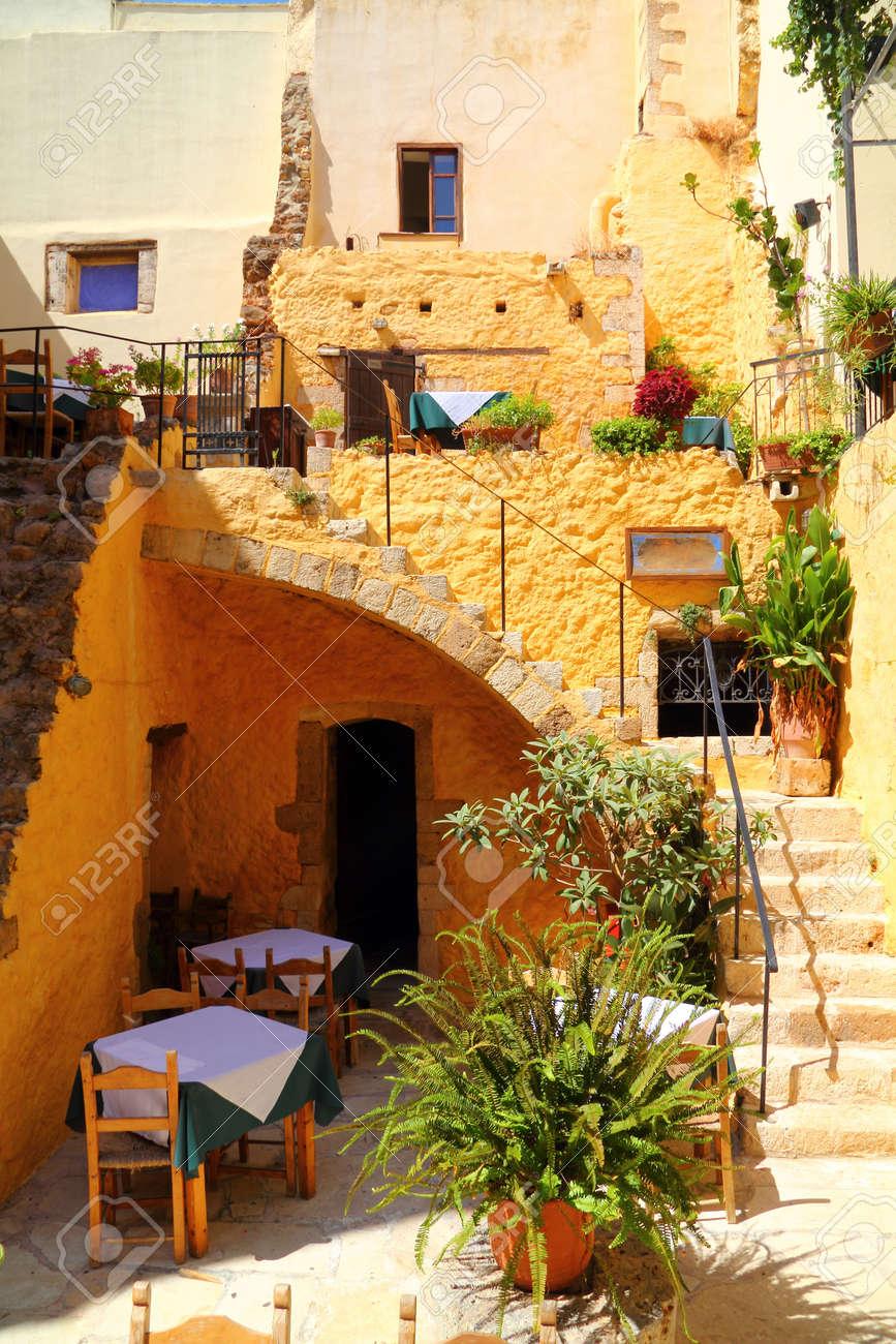 cafe taverna restaurant setting in greek islands - Santorini - 15951020