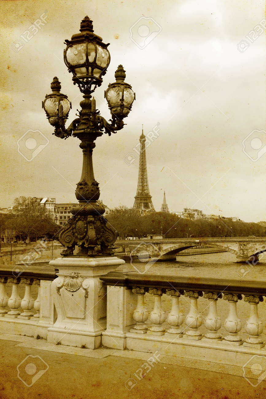 Parisian streets - picture in vintage painting style - 20928583