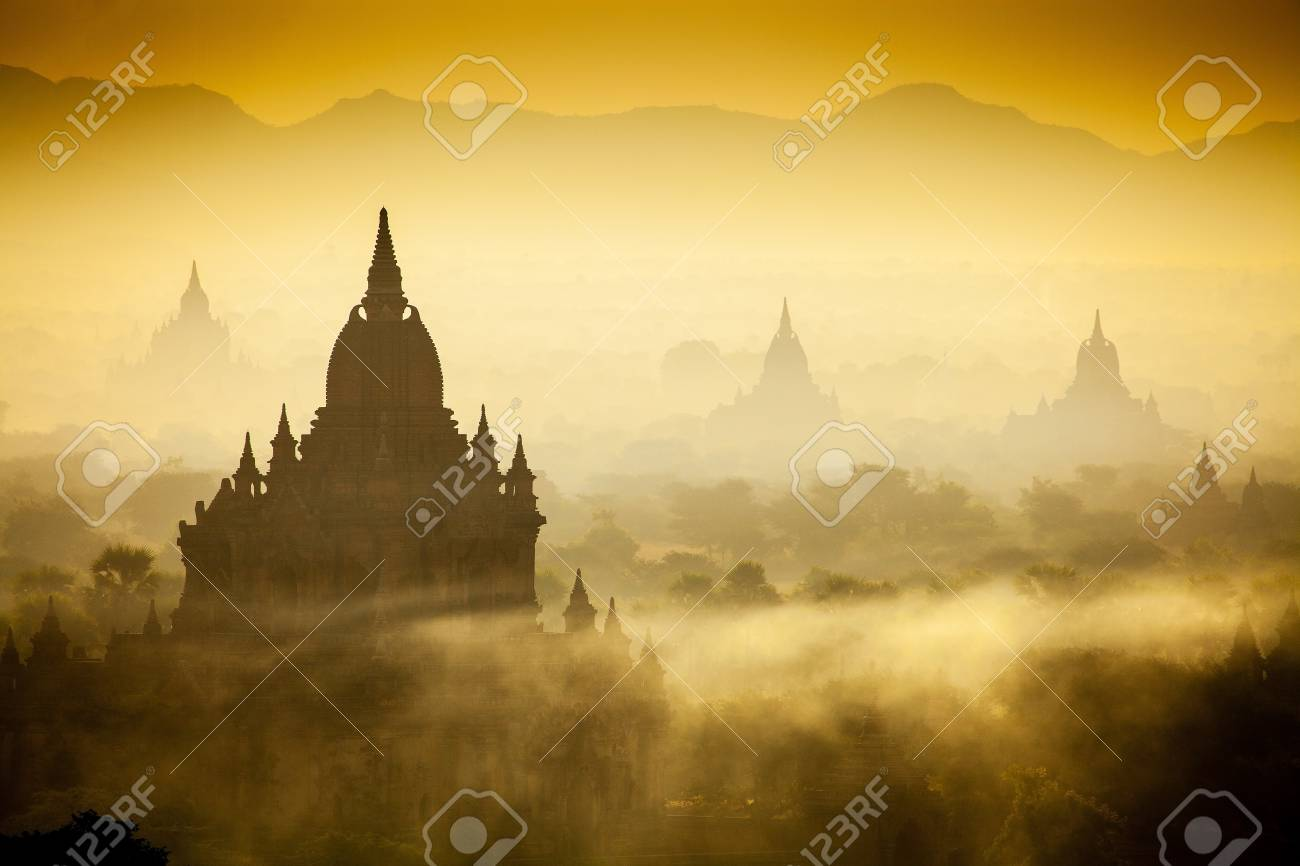 Sunrise over temples of Bagan in Myanmar Stock Photo - 17706869