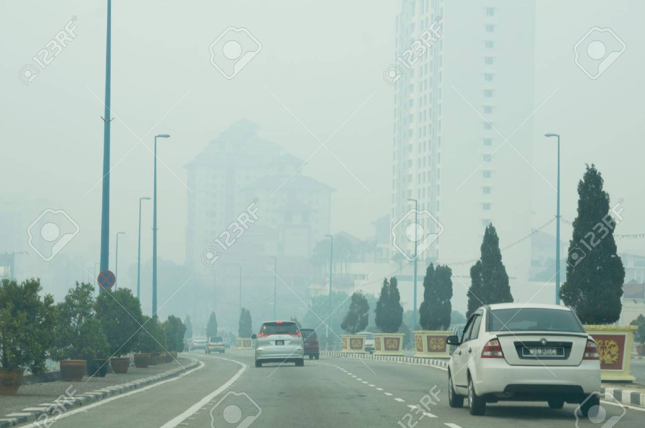 The state Malacca recorded the worst air pollutant index of open fire burning monsoon season in Sumatra Stock Photo - 20474960