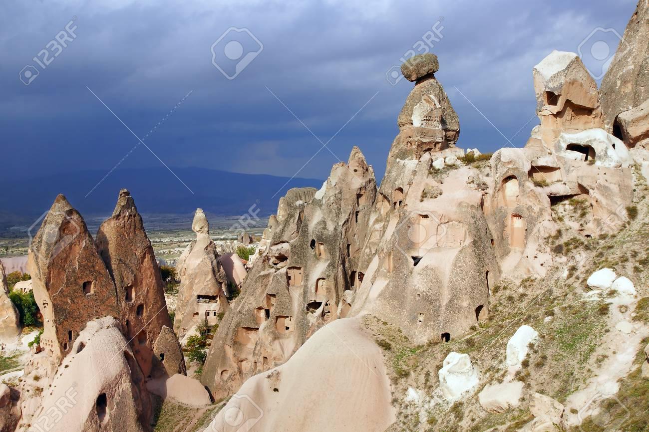 Paysage Pittoresque Avec Des Cheminees De Fees Cappadoce En Turquie