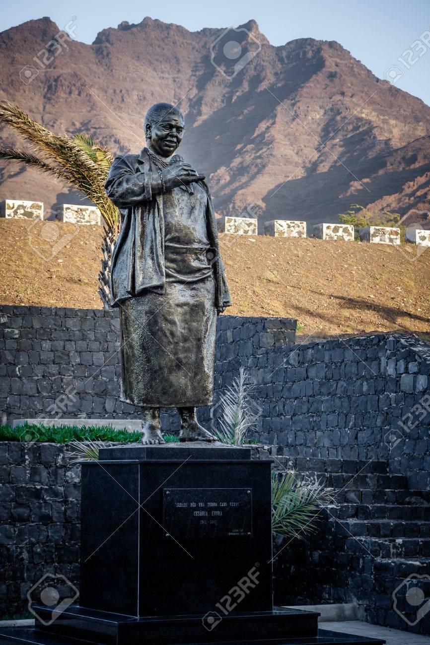 Cesaria Evora statue - 61497897