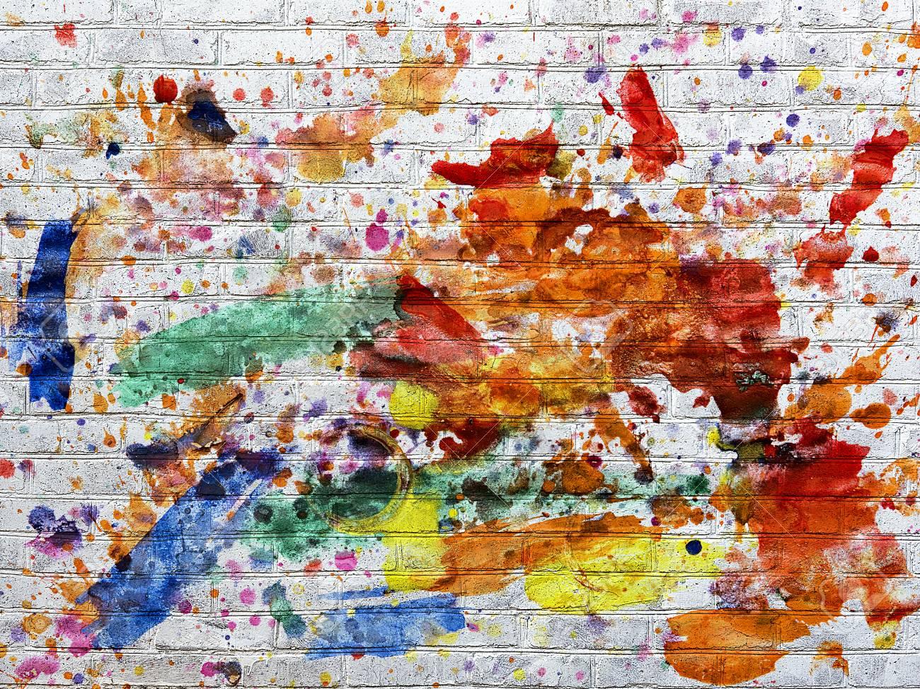 Pared De Ladrillo Blanca Manchas De Pintura De Diferentes Colores Manchada Fotos Retratos Imágenes Y Fotografía De Archivo Libres De Derecho Image 55116066