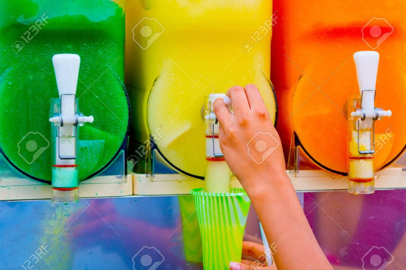 distributor of granita tastes of orange, lemon, mint, smurf,