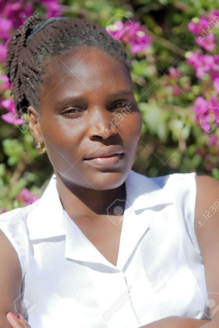 ジンバブエ 女性