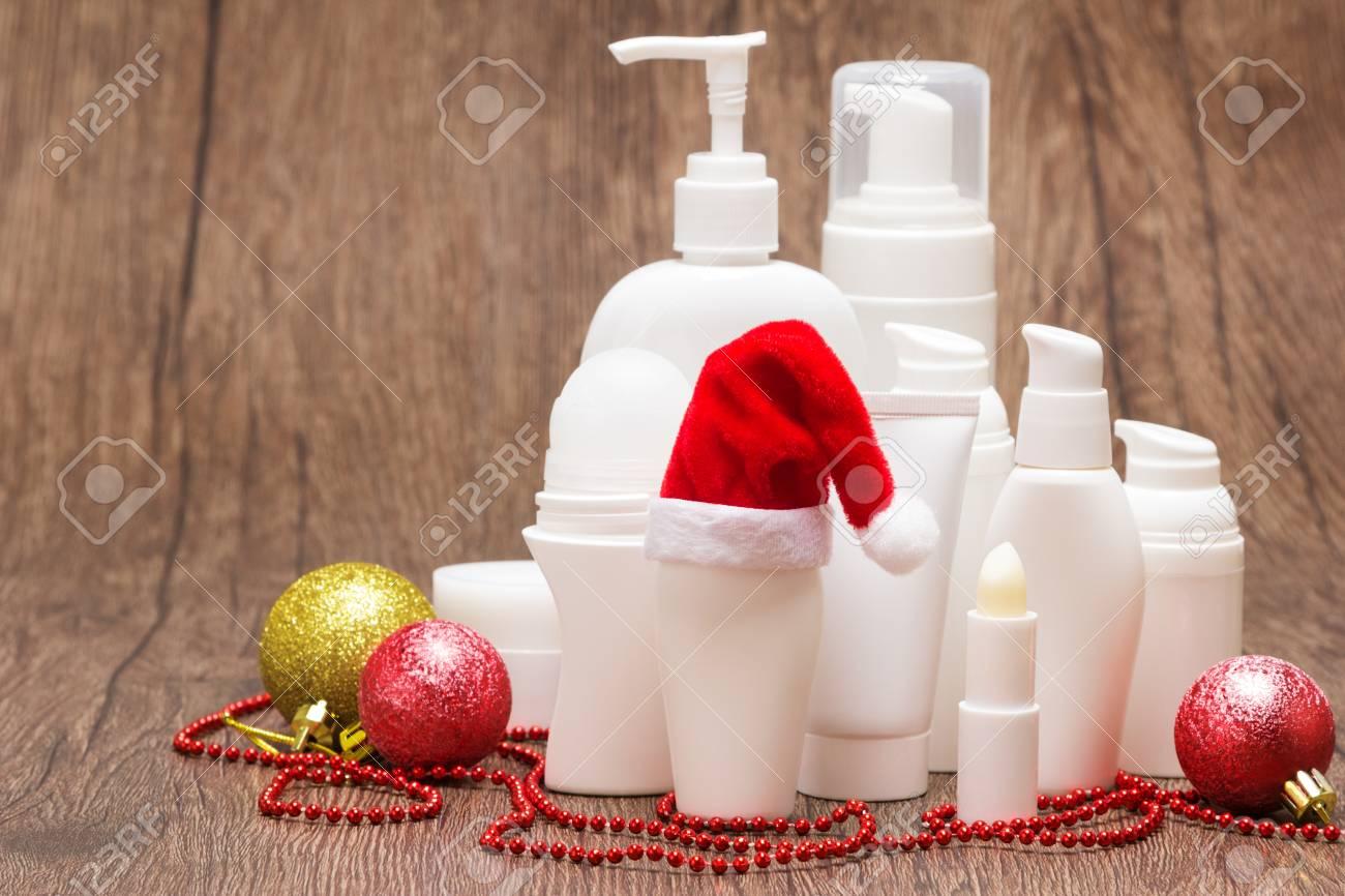 Weihnachten Hautpflege-Kosmetik. Verschiedene Kosmetische Produkte ...