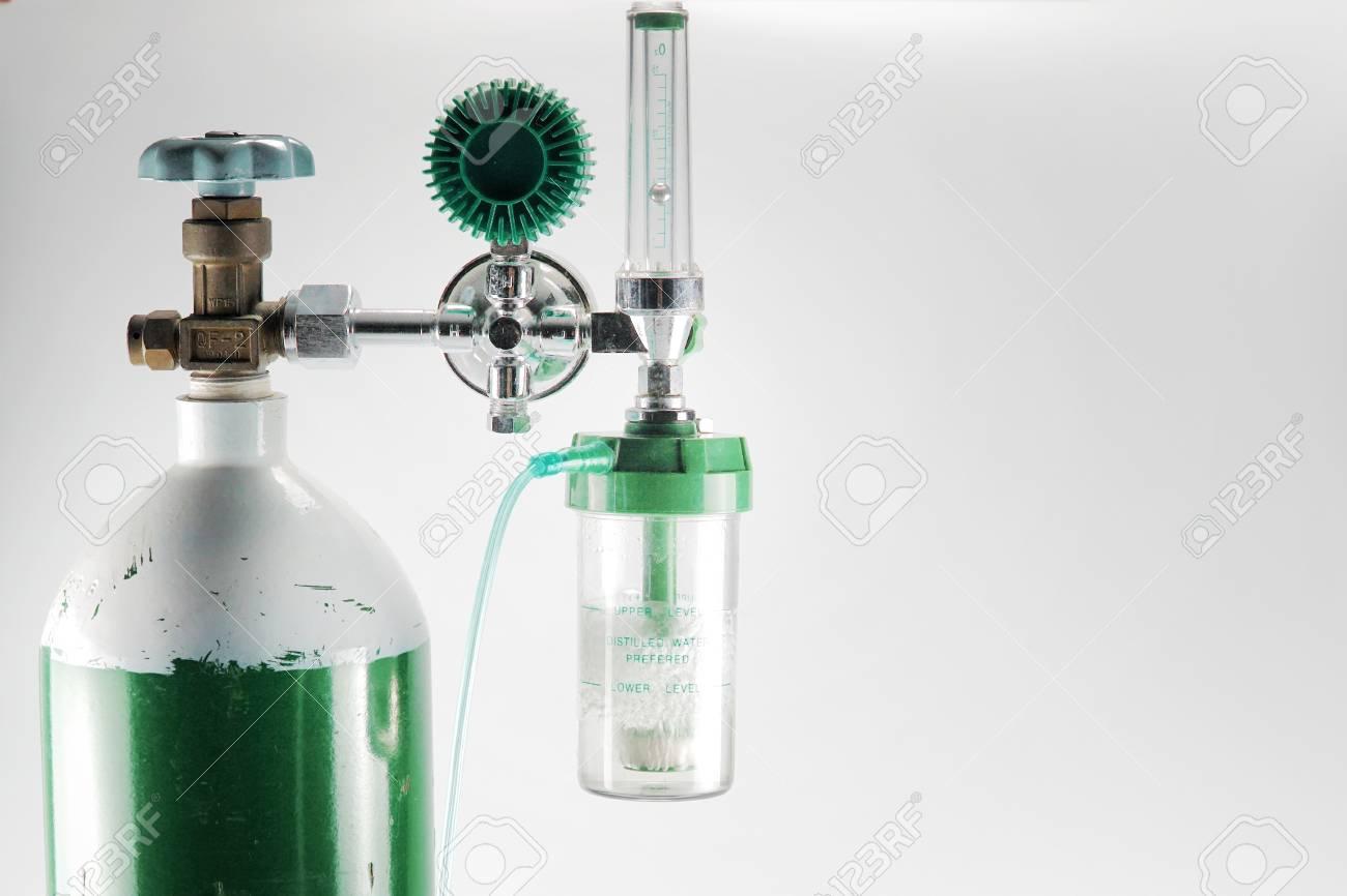 Equipment medical Oxygen tank and Cylinder Regulator gauge Control