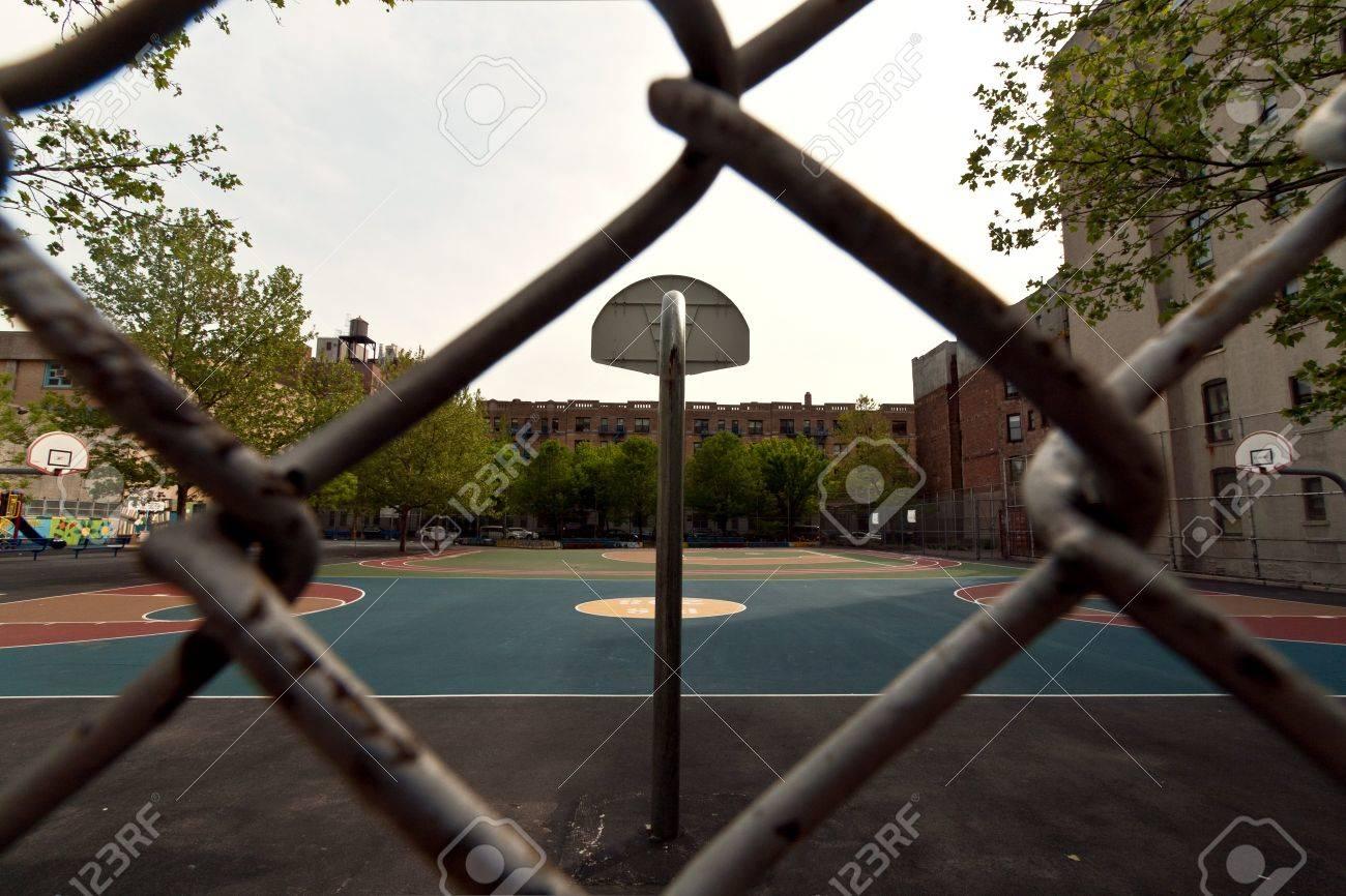 Incredible Harlem Basketball Field In New York City United States Of America Short Hairstyles For Black Women Fulllsitofus