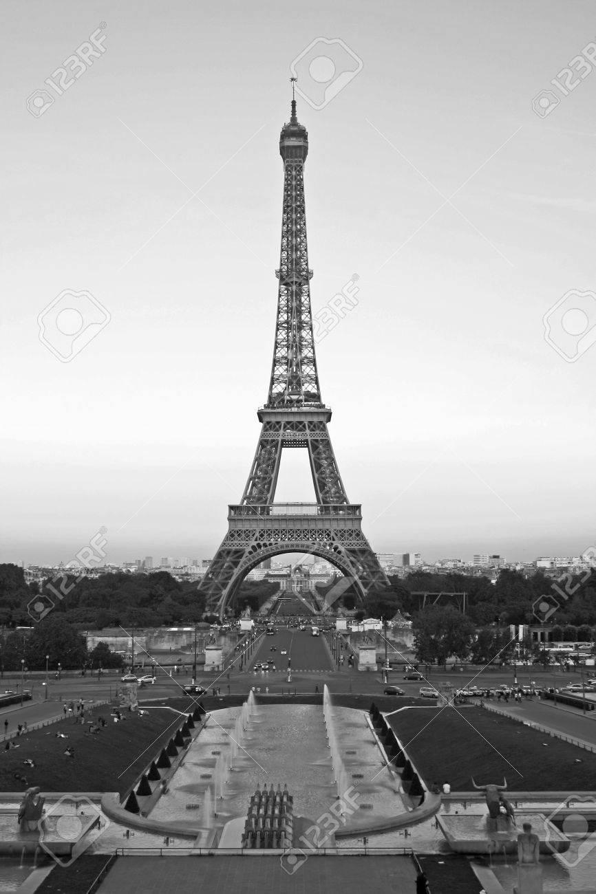 Sunset On The Eiffel Tower Paris France Eiffel Tower At Dusk