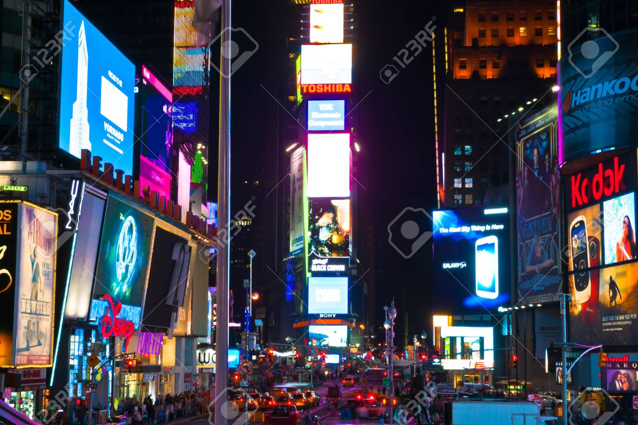 Crowds at Times Square night