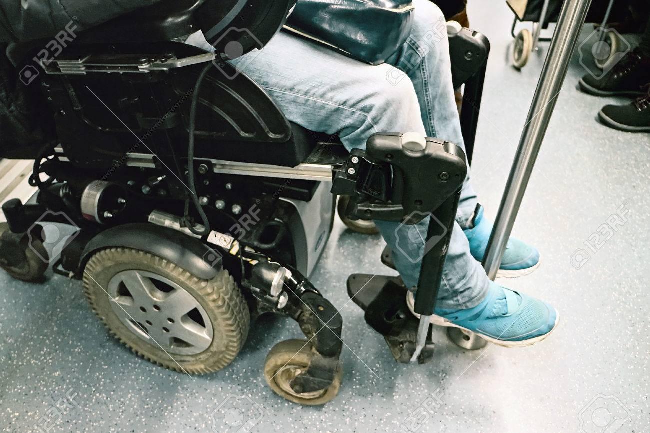 Sedie A Rotelle Roma : Roma italia 21 gennaio 2016: la disabilità in sedia a rotelle su