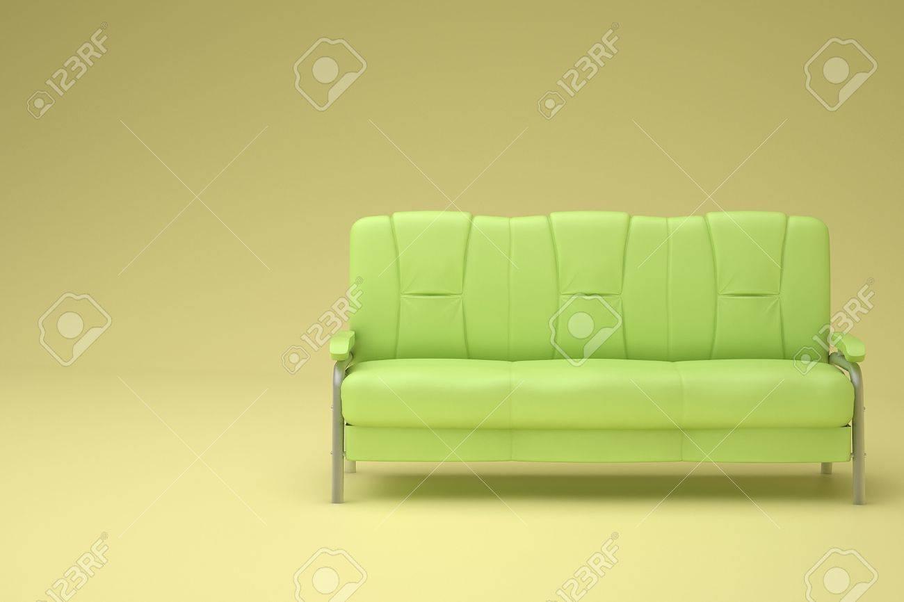 Canapé vert dans la chambre jaune avec éclairage doux