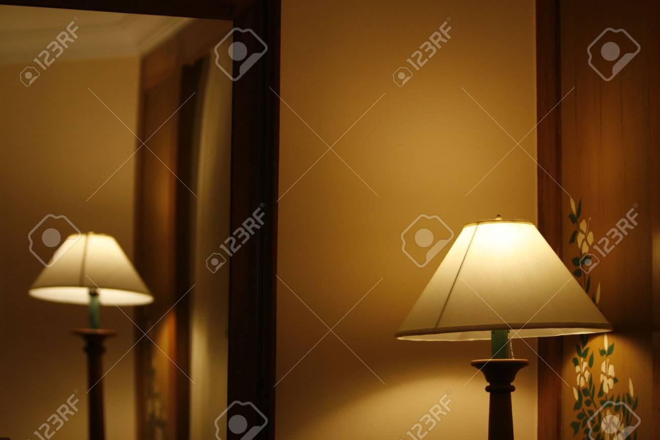 Abierto pie de hotel una en habitación lámparas de YgybvfI76