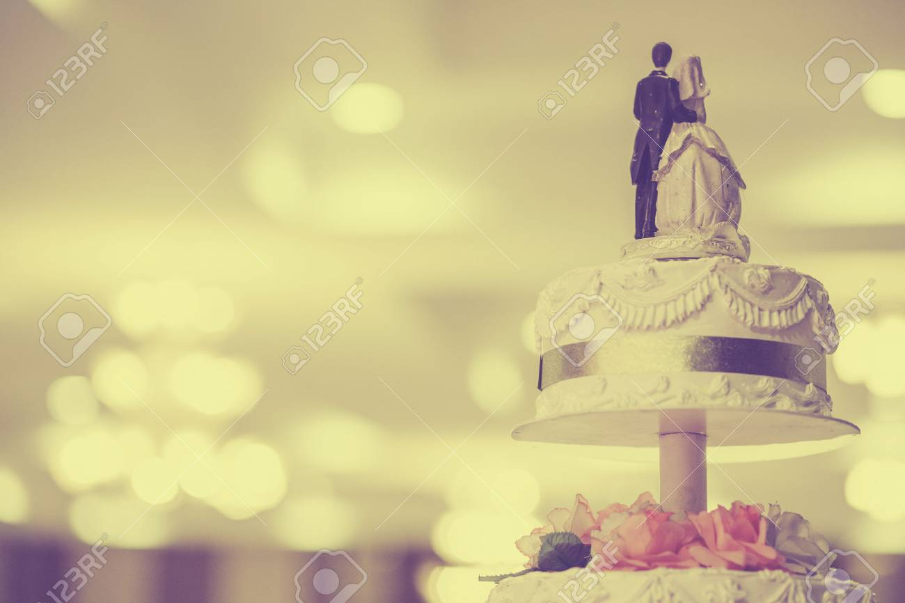 Vintage Wedding Cake Stock Photo, Picture And Royalty Free Image ...