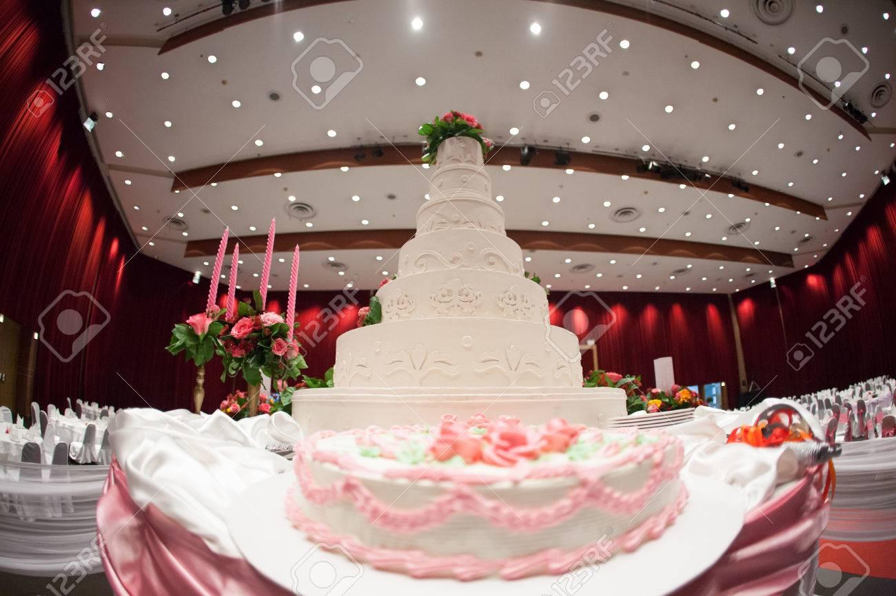 Schone Kuchen Dekorieren Mit Rosa Rose Blumen Und Kerzen Fur Die
