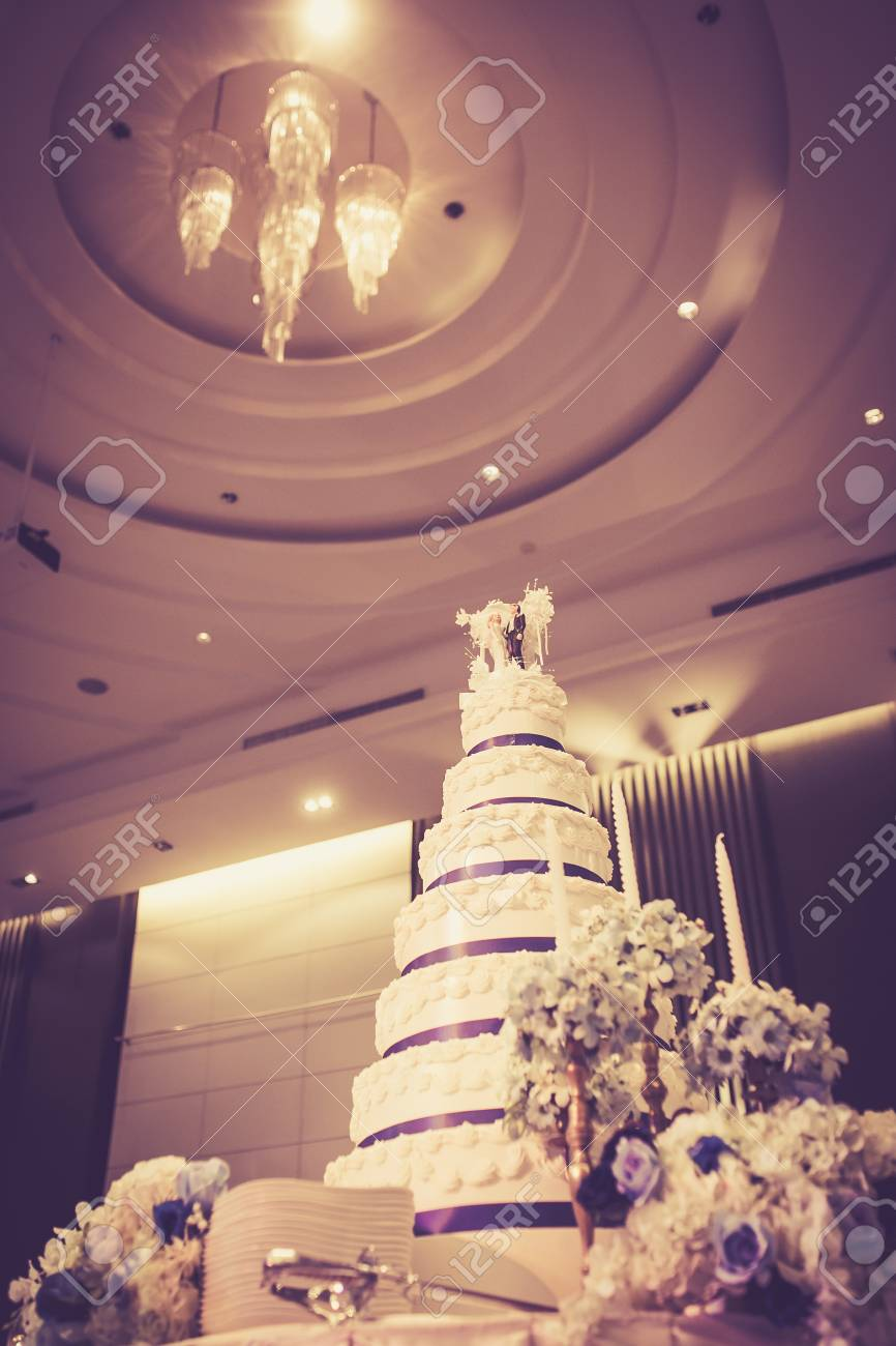 Schone Vintage Kuchen Fur Die Hochzeit Lizenzfreie Fotos Bilder Und