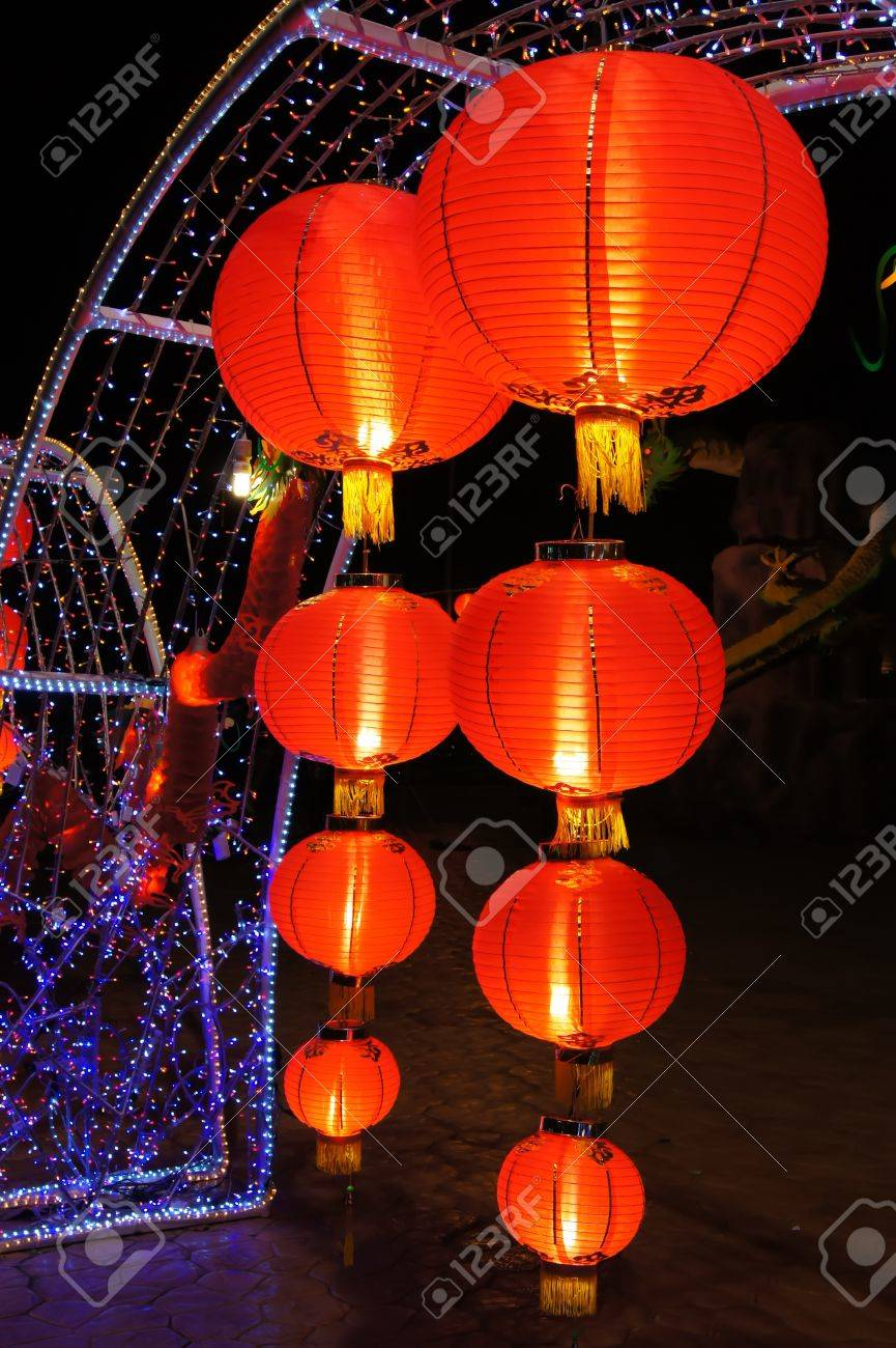 paper lanterns are favorable thing for decorate houses and places