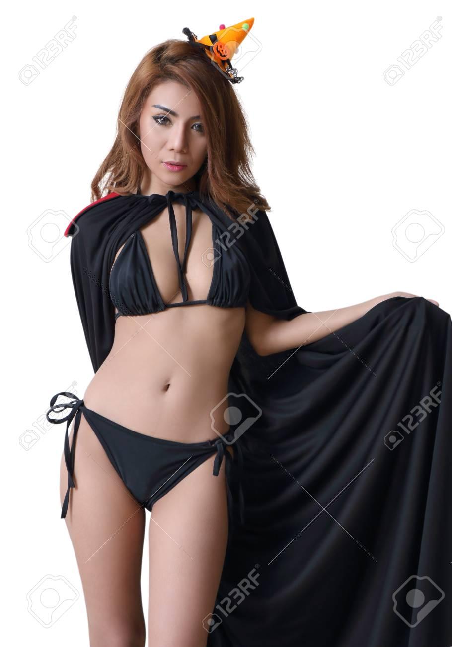 Negro Mujer Fondo Sobre Asiática En Bruja Bikini Blanco Joven N0PZn8wkXO