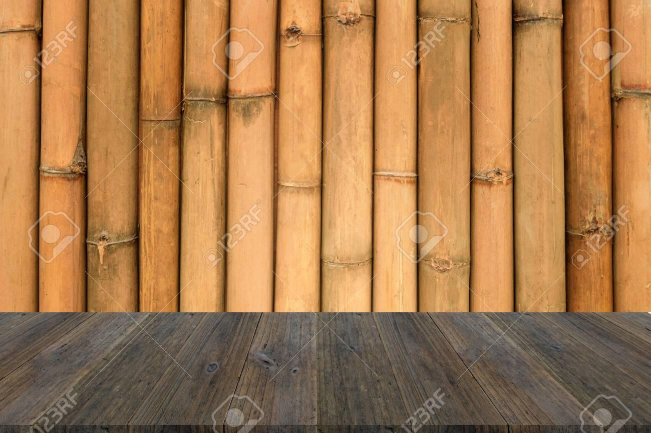 Terraza De Madera Y Color Natural Del Fondo De La Textura De Bambú De La Pared