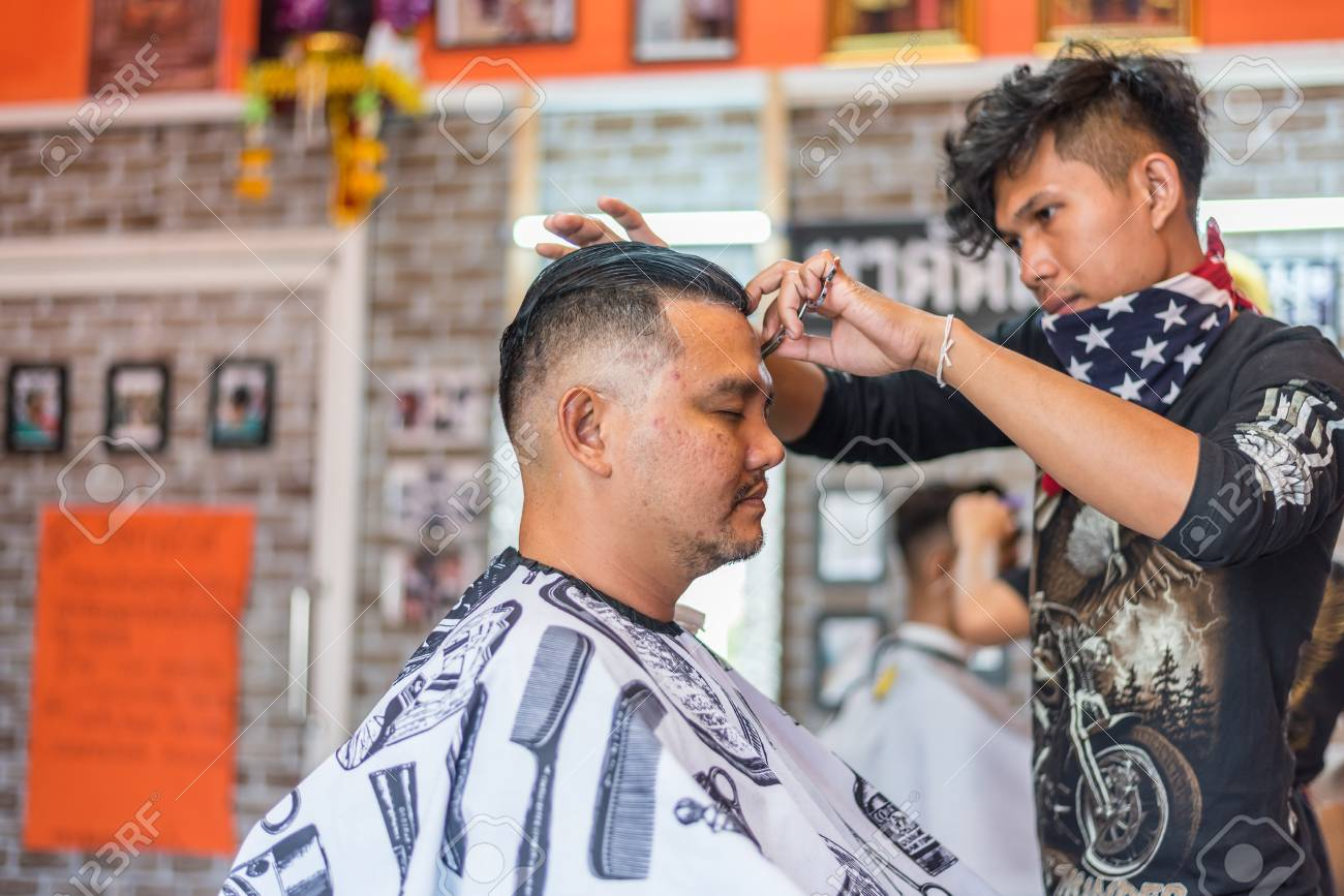 Bangkok Thailand April 25 2017 Unidentified Thai Man Barber Stock Photo Picture And Royalty Free Image Image 92080334