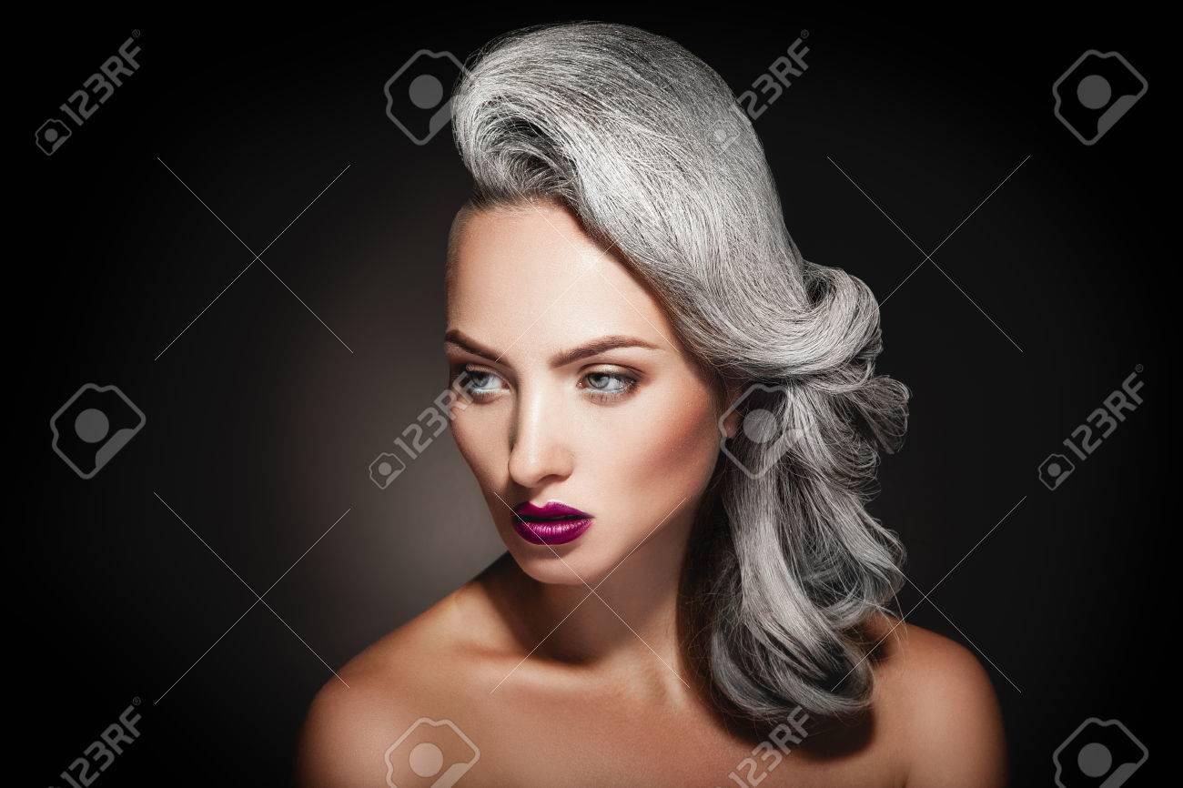 Haare junge frau graue Graue Haare