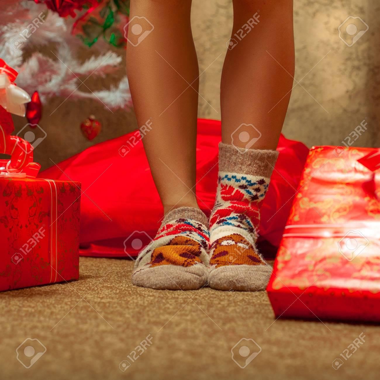 Weibliche Beine In Socken Spaß Mit Viel Weihnachtsgeschenke ...
