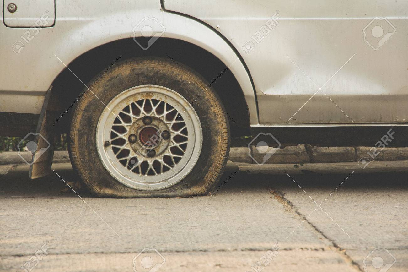 Flat tire - 27117748