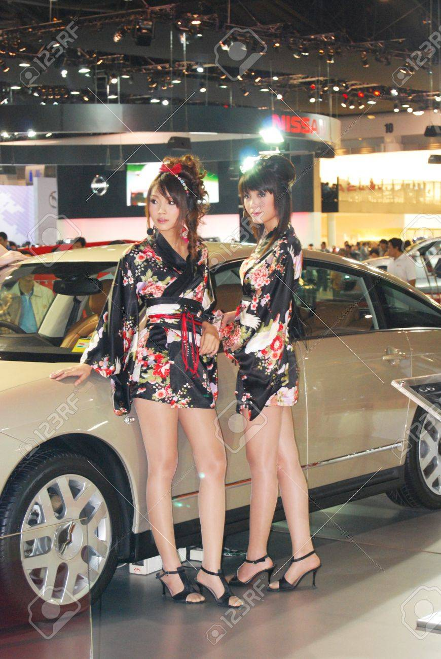 woman motor show Stock Photo - 15816727