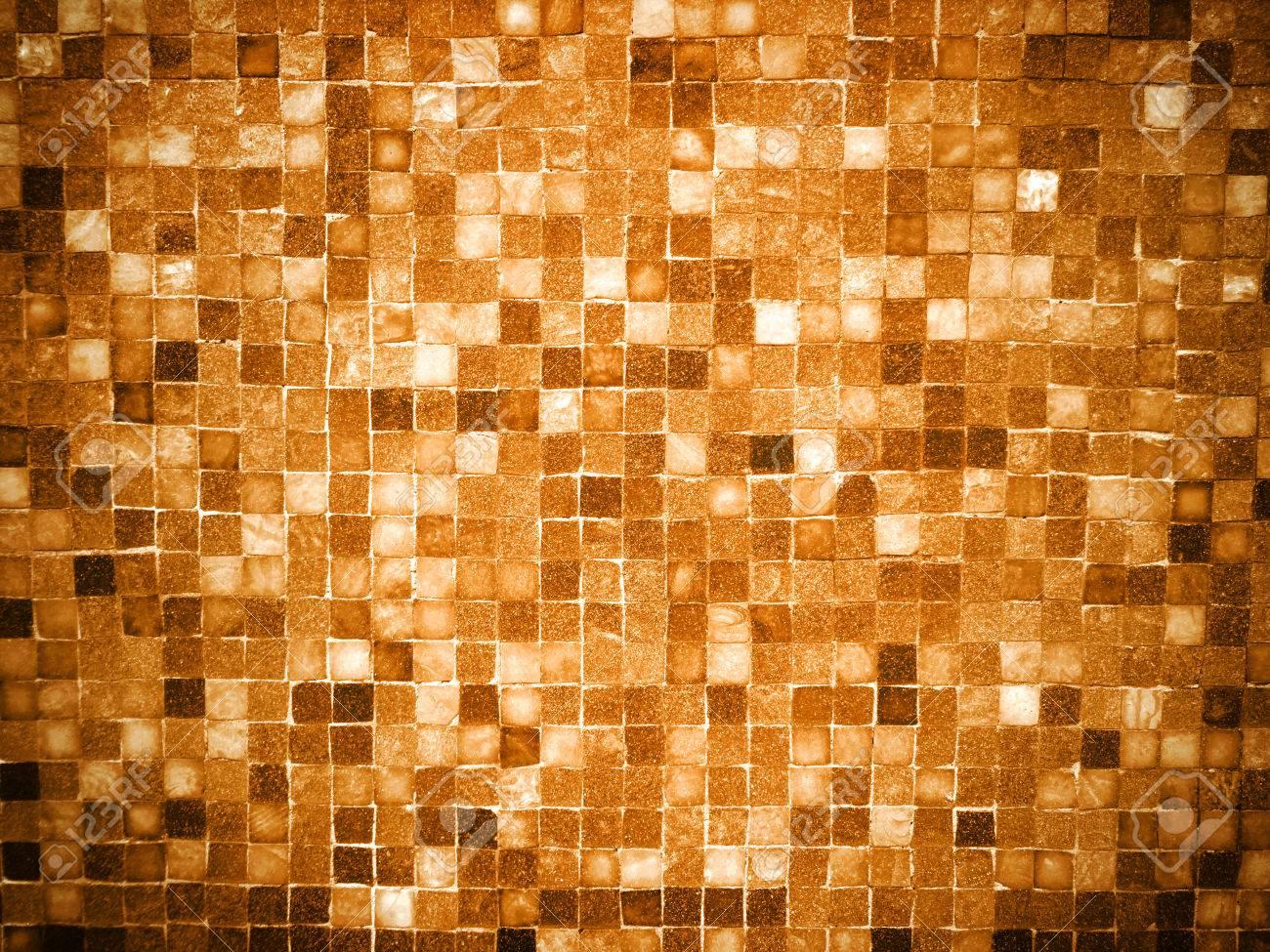 Gradient Gold Mosaik Hintergrund Fliesen Gefarbt Lizenzfreie Fotos