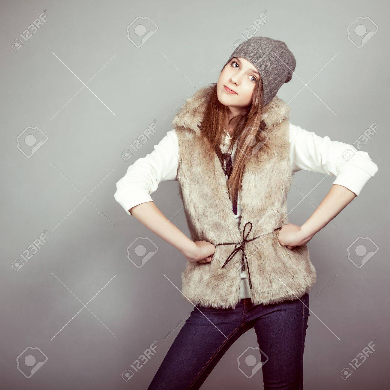fashion girl in winter clothes Stock Photo - 12979957