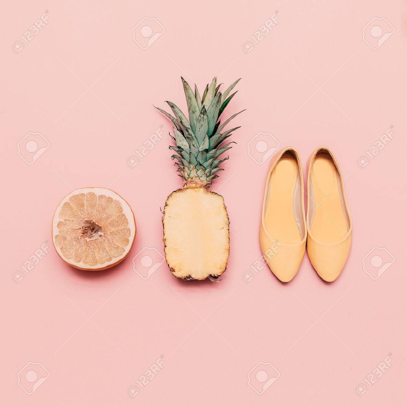 Fashion ladies summer style set. Vanilla fruits and shoes - 39075370