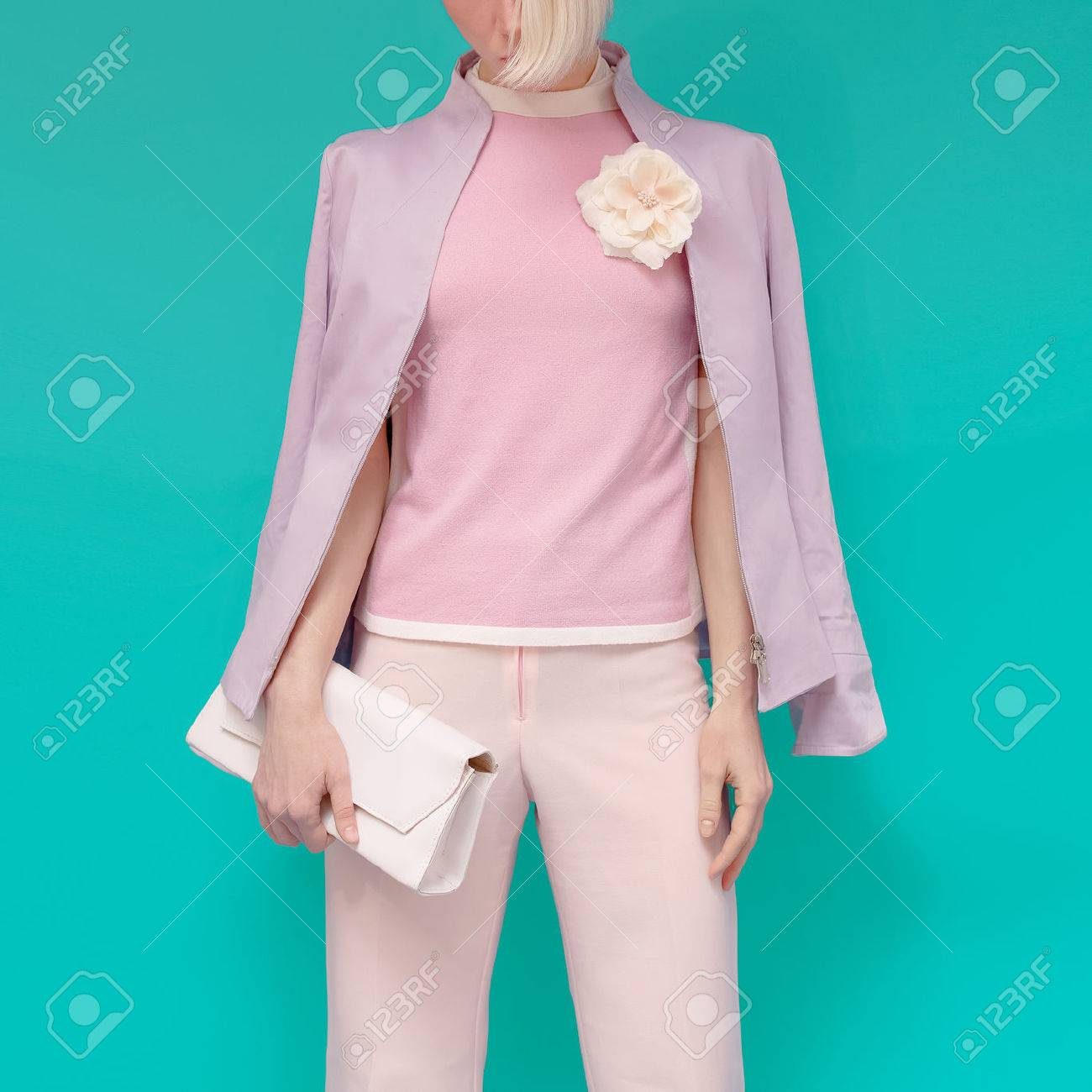Fashion blond girl in glamorous summer clothes with stylish accessories. Summer bright freshness - 40336040