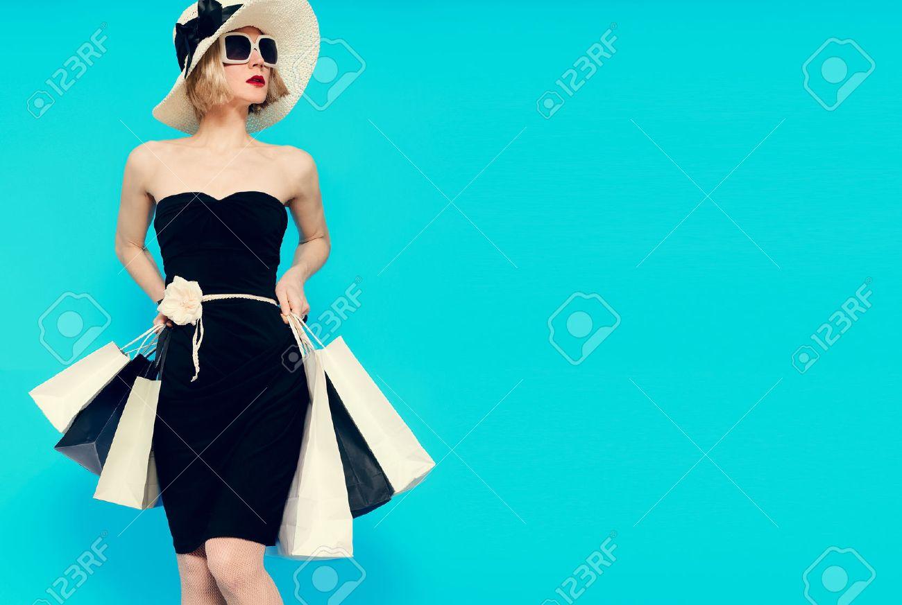 Glamorous summer shopping lady style - 44776135