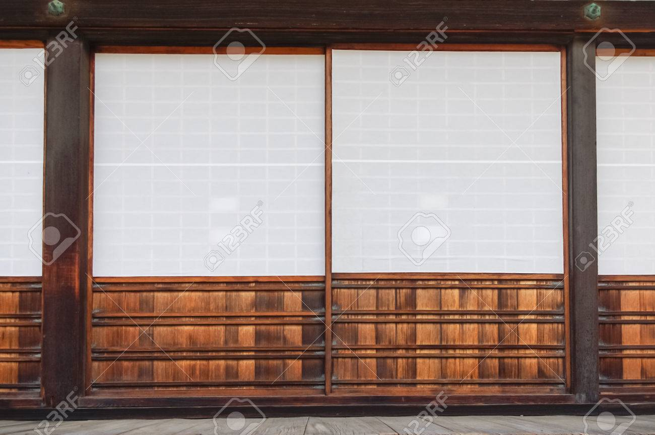 Shoji door of old Japanese style house made of wood and paper Stock Photo - 39351826 & Shoji Door Of Old Japanese Style House Made Of Wood And Paper Stock ...