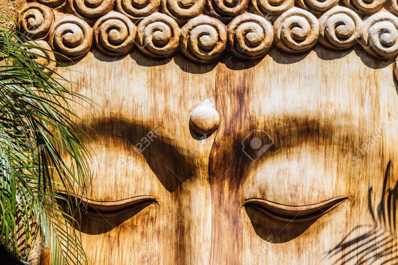 detail of a wooden zen sculpture in a zen garden Stock Photo - 20706141