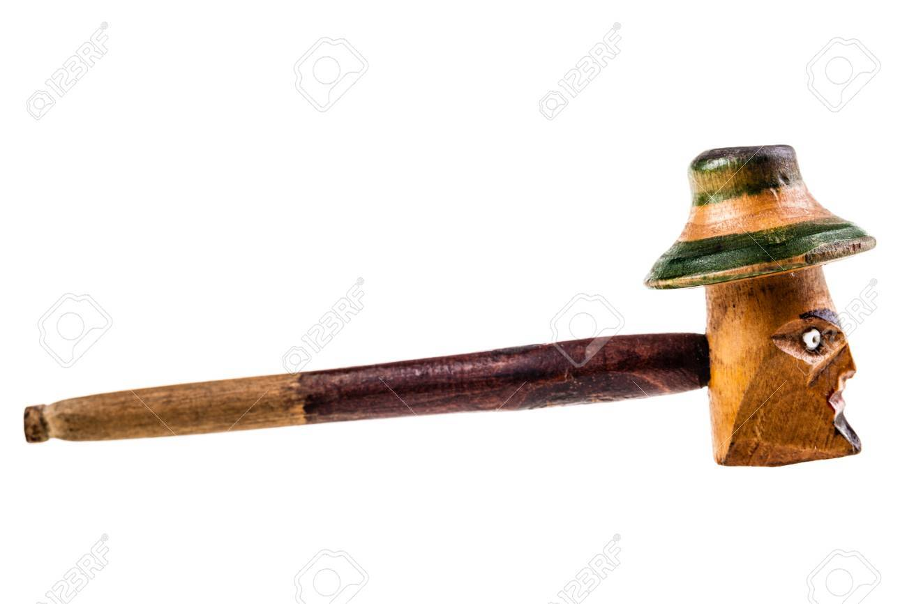 an old tobacco pipe isolated over a white background Stock Photo - 23394014