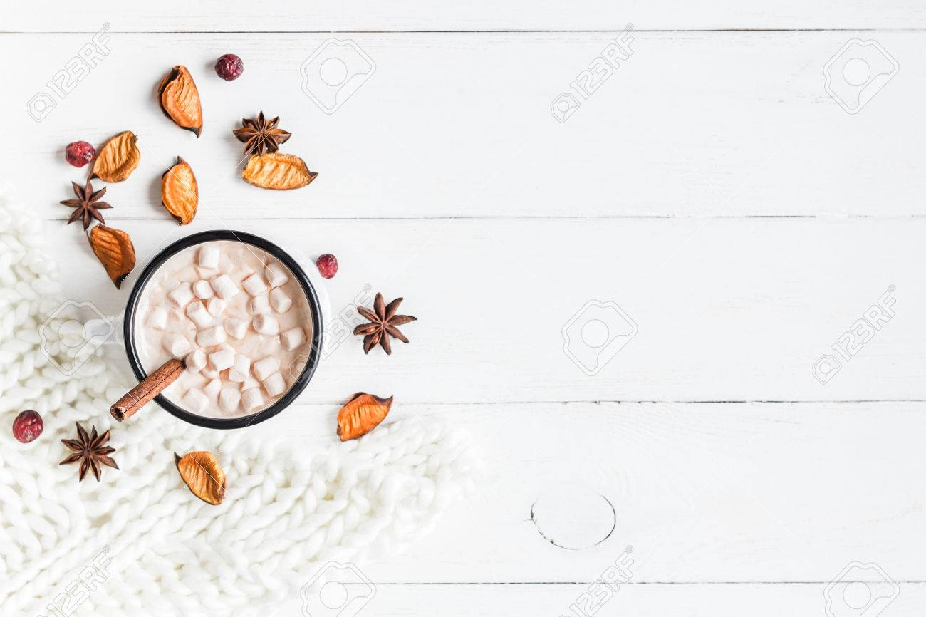 Autumn. Hot chocolate, knitted blanket, dried flowers and leaves. Flat lay, top view - 84867508