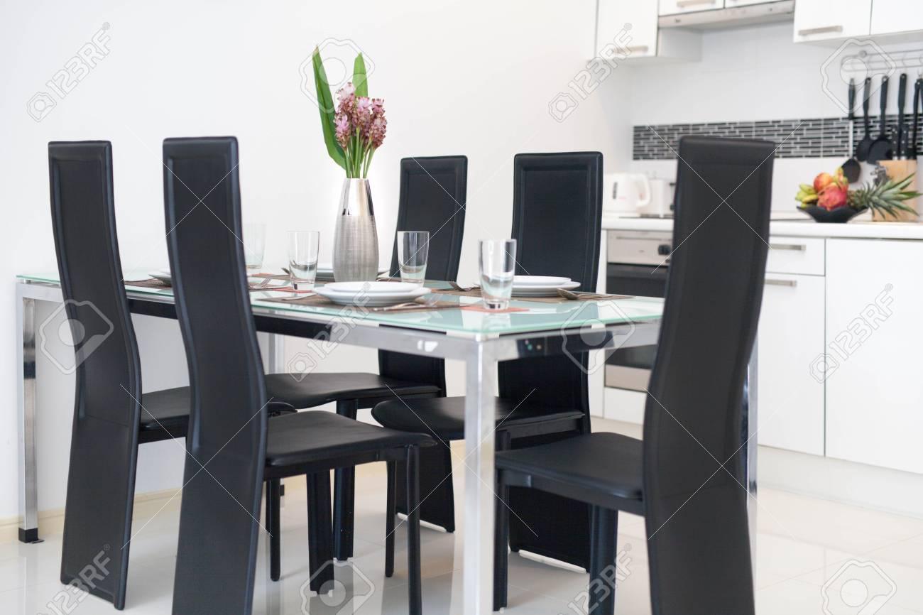Cuisine Avec Ilot En U villa de luxe en design d'intérieur dans un coin cuisine avec comptoir  d'îlot et meuble encastré