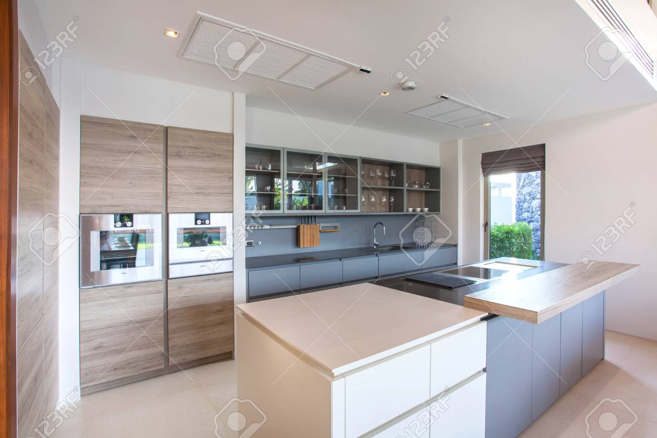 Interni Villa Di Lusso : Villa di lusso di design interni di lusso in zona cucina che