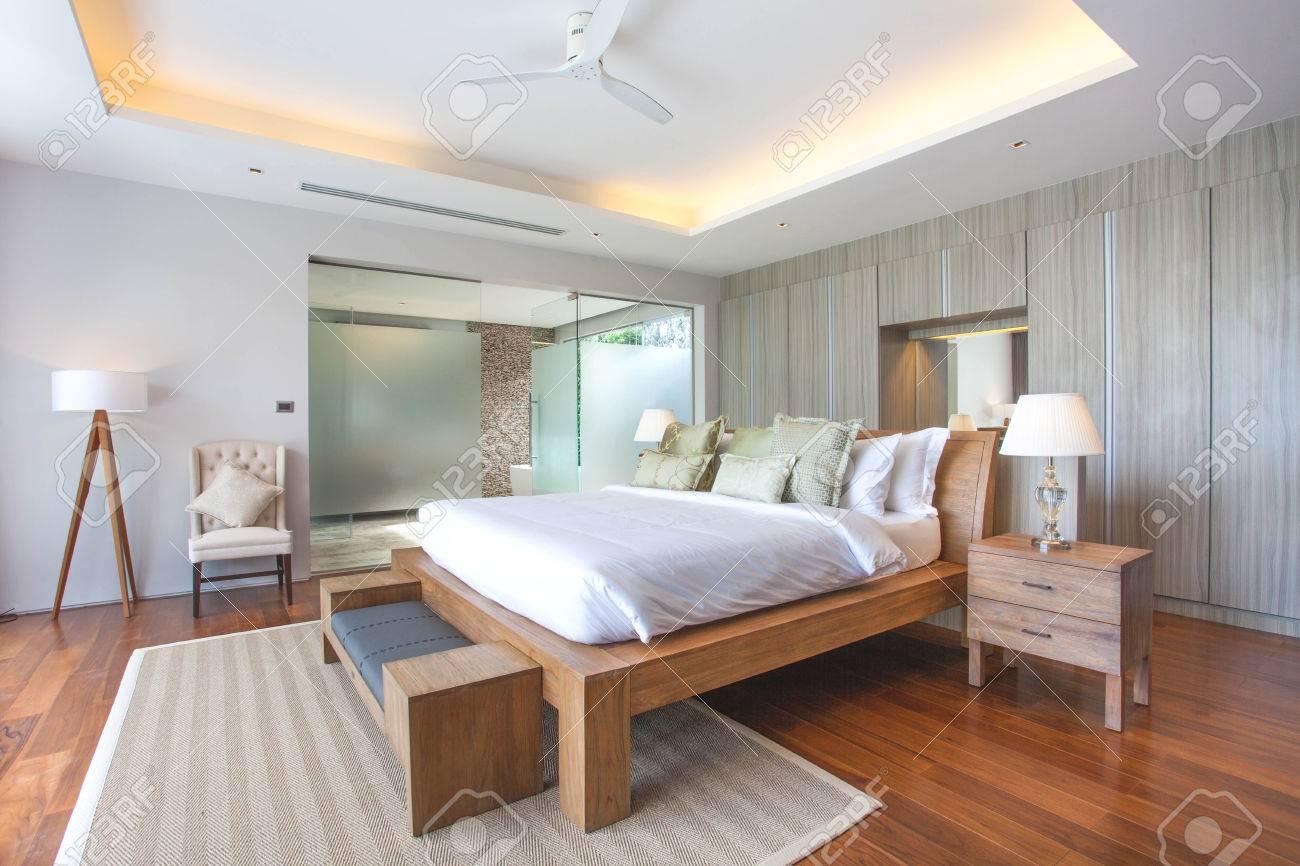 Design Dintérieur De Luxe Dans La Villa De La Chambre De La Piscine - Chambre design de luxe