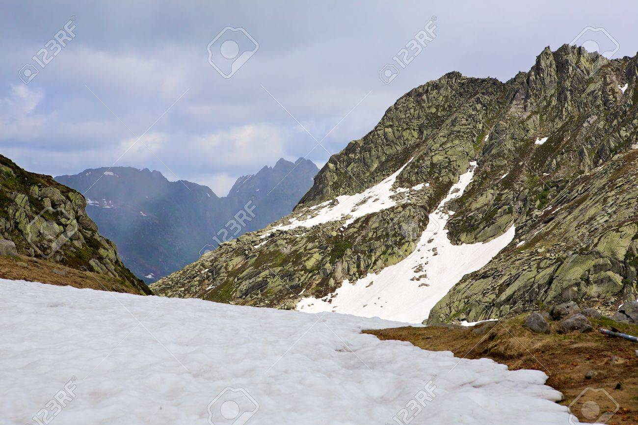 Mountain top cover with snow in Val Lavizzara, Vallemaggia,Ticino (Tessin), Switzerland Stock Photo - 7411609