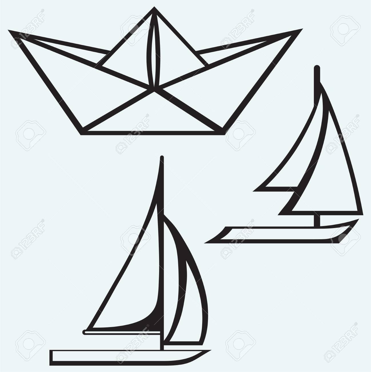 Origami Bateau De Papier Et Un Voilier De Voile Isole Sur Batskground Bleu Clip Art Libres De Droits Vecteurs Et Illustration Image 25944122