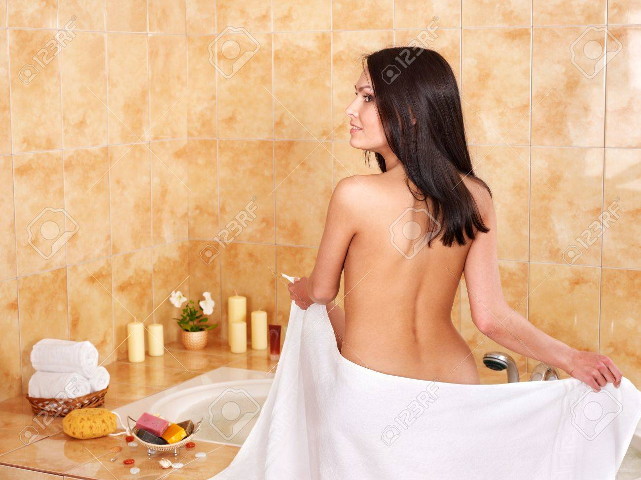 Young woman take bubble  bath. Stock Photo - 9620286