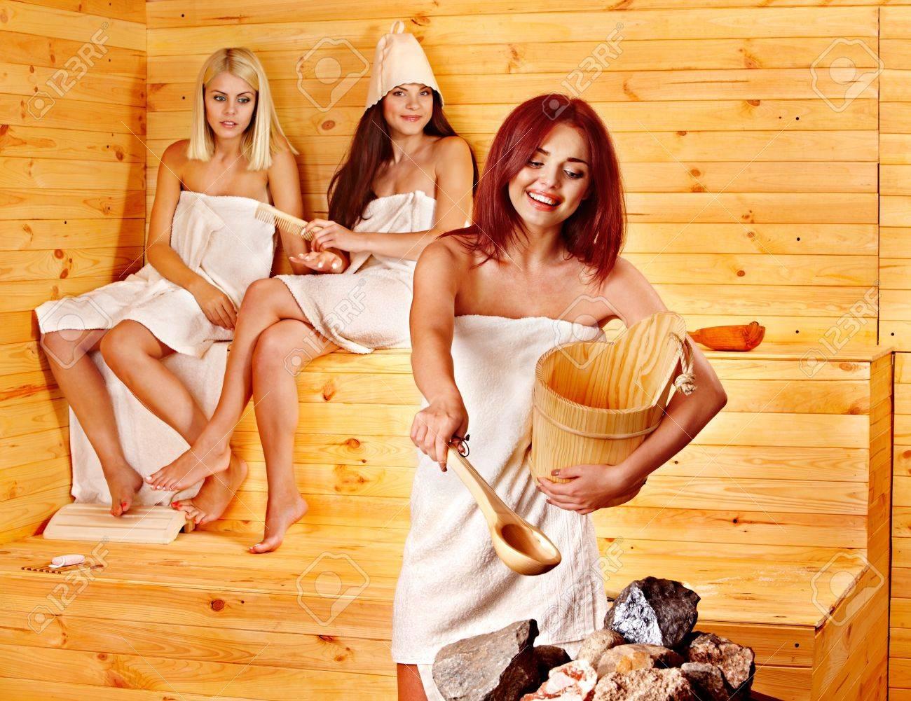 Смотреть онлайн с мамой в бане, В бане с мамой - 62 видео. Смотреть в бане с мамой 21 фотография