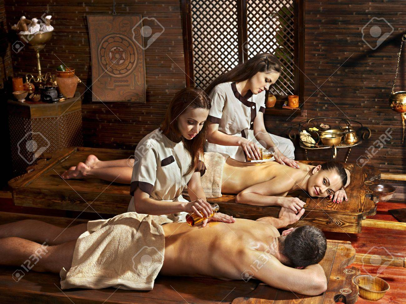 Couple  having oil Ayurveda spa treatment. Stock Photo - 20724341