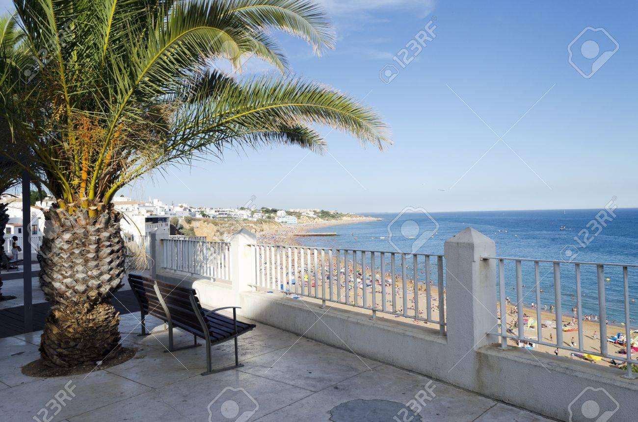 The beach in Albufeira, Algarve, Portugal Stock Photo - 21948590