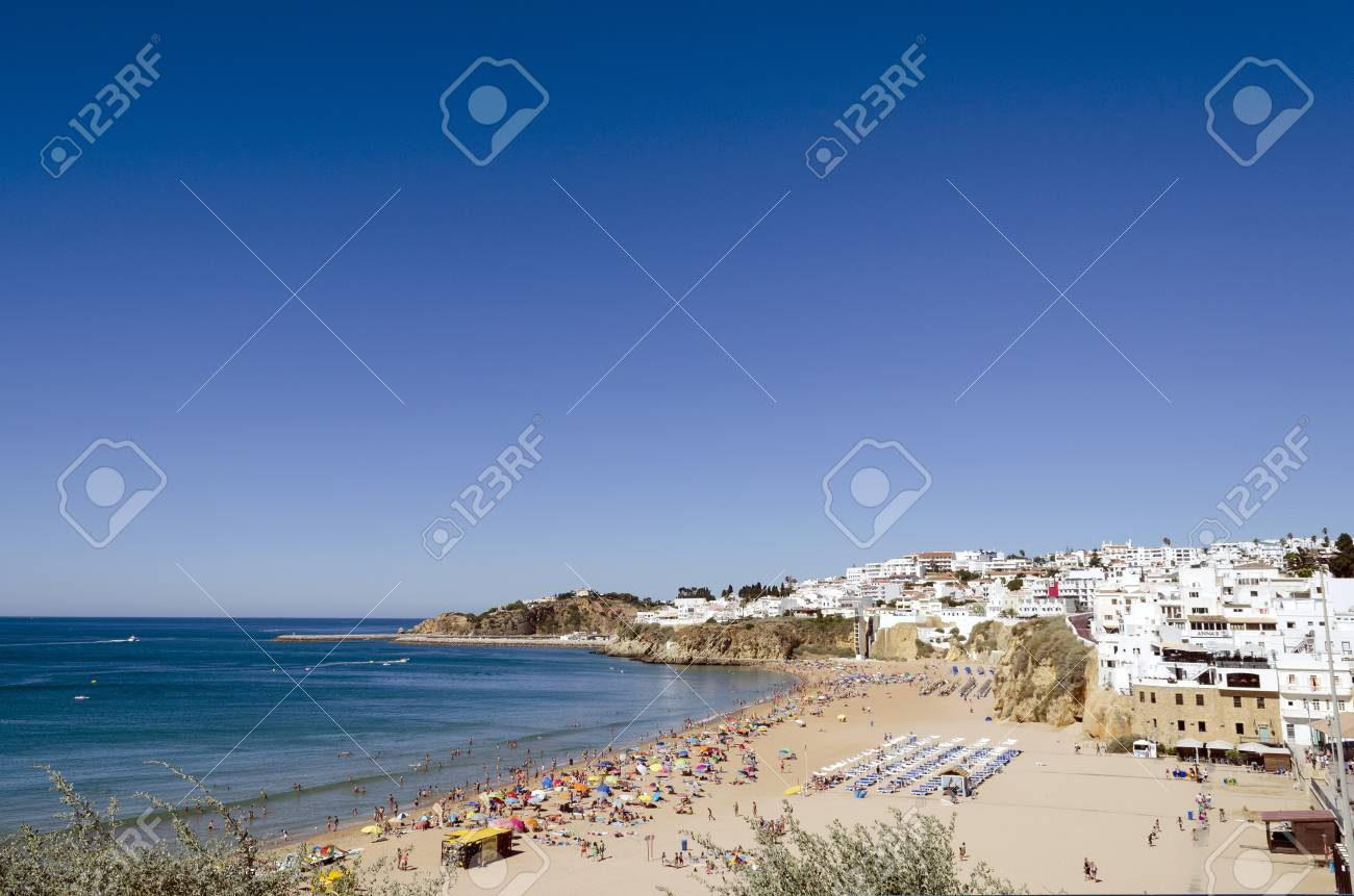 The beach in Albufeira, Algarve, Portugal  Stock Photo - 21843961