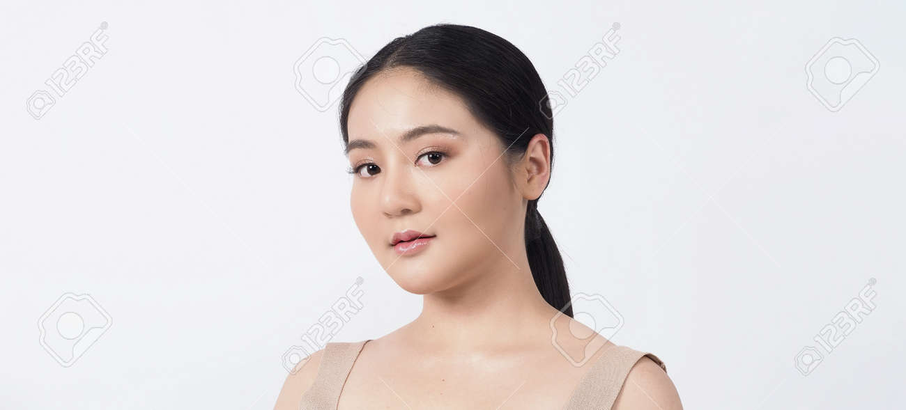 Beauty skin. makeup concept. Young pretty woman black hair and beauty face make up for skincare cosmetic. Showing delicate soft and firm and ageless facial skin. Oil type skin. Close up facial. beauty shot. - 168771745