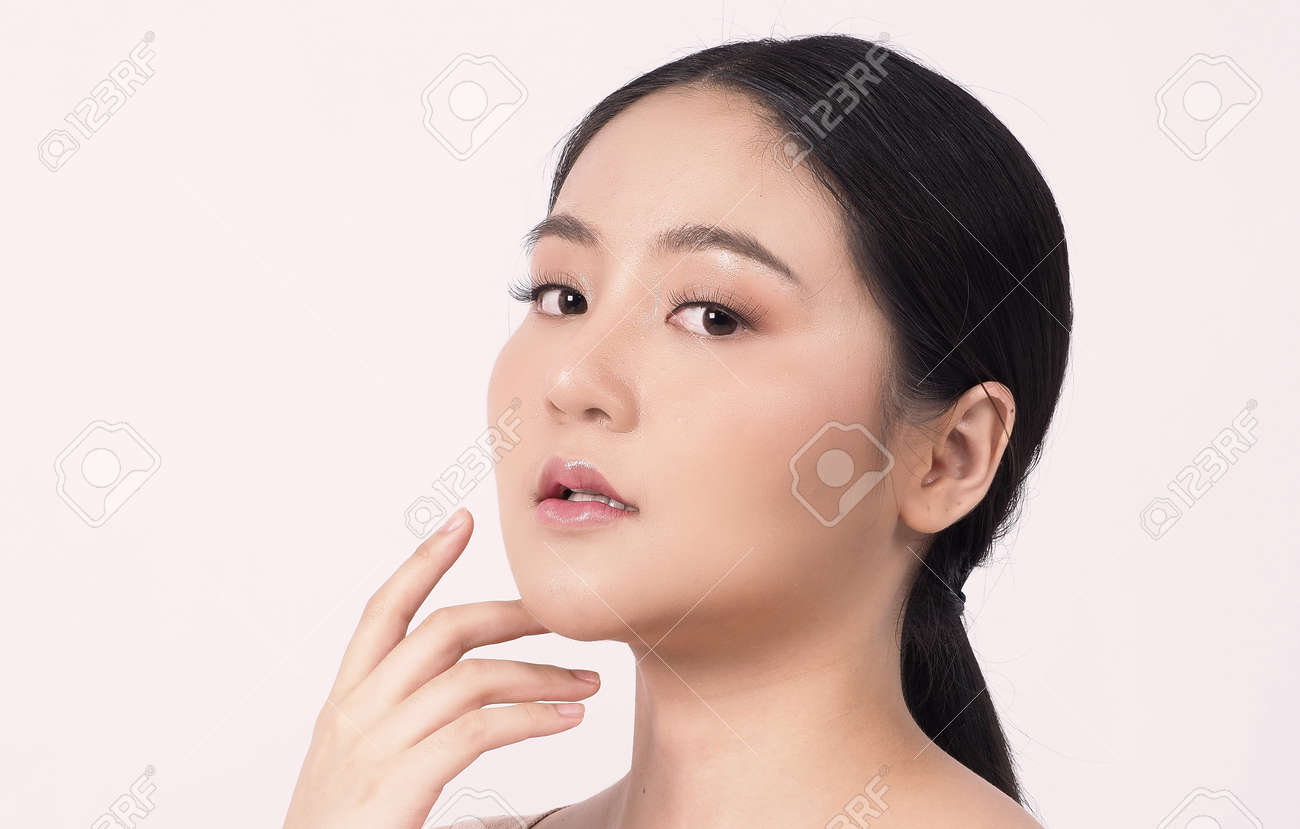 Beauty skin. makeup concept. Young pretty woman black hair and beauty face make up for skincare cosmetic. Showing delicate soft and firm and ageless facial skin. Oil type skin. Close up facial. beauty shot. - 168771748