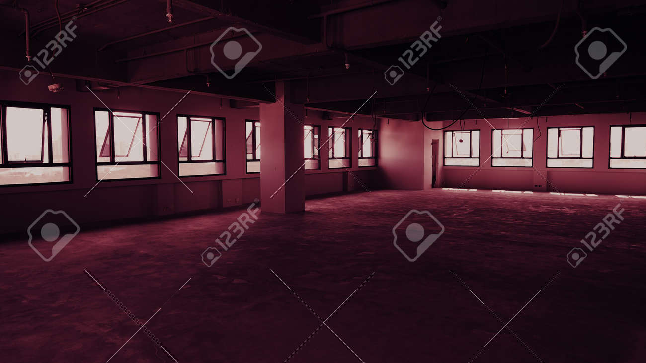 Bankrupt Office. Workplace without desk and people. Business office is closed. bankrupt business due to the effect of Coronavirus or COVID-19 pandemic. No rental office space. Empty and abandoned. - 169136722